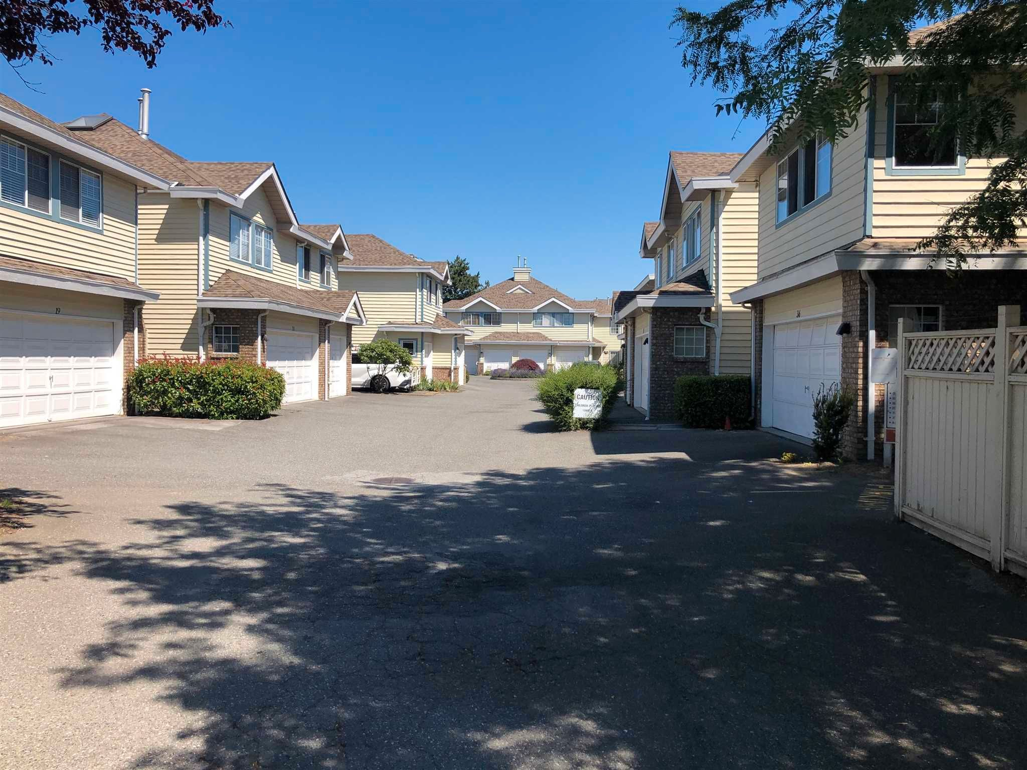 """Main Photo: 34 8551 GENERAL CURRIE Road in Richmond: Brighouse South Townhouse for sale in """"The Crescent"""" : MLS®# R2599839"""