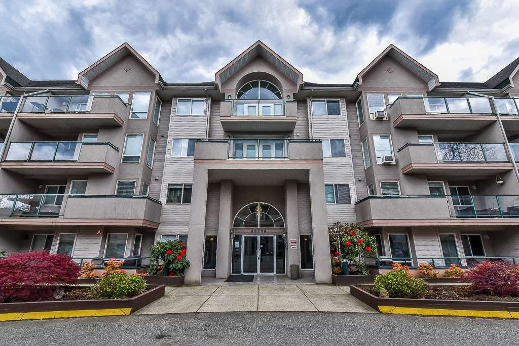 """Main Photo: 411 33728 KING Road in Abbotsford: Poplar Condo for sale in """"College Park"""" : MLS®# R2158725"""