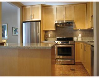"Photo 5: 103 2978 BURLINGTON Drive in Coquitlam: North Coquitlam Condo for sale in ""THE BURLINGTON"" : MLS®# V699588"