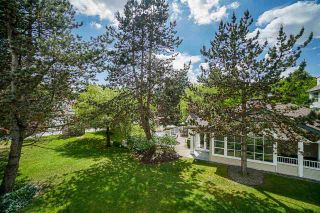 """Photo 35: 54 10038 150 Street in Surrey: Guildford Townhouse for sale in """"Mayfield Green"""" (North Surrey)  : MLS®# R2585108"""