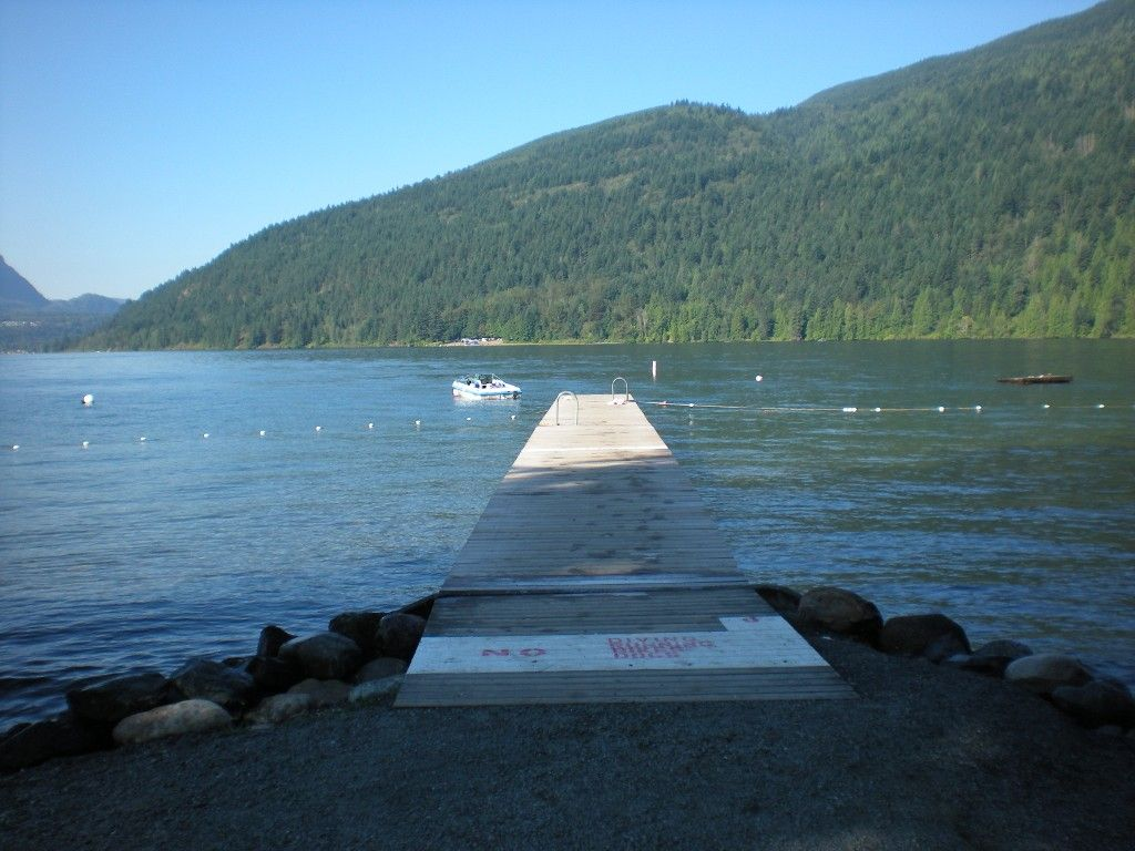 Photo 7: Photos: 186 1 Avenue: Cultus Lake House for sale : MLS®# H1303090