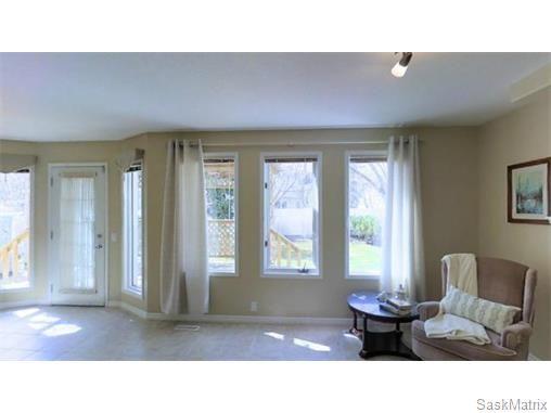 Photo 11: Photos: 606 Forsyth Crescent in Saskatoon: Erindale Single Family Dwelling for sale (Saskatoon Area 01)  : MLS®# 568828