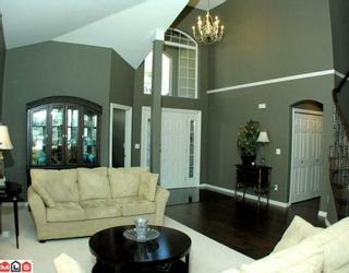 Photo 2: 35926 Regal Parkway in Abbotsford: Abbotsford East House for sale : MLS®# F1004461