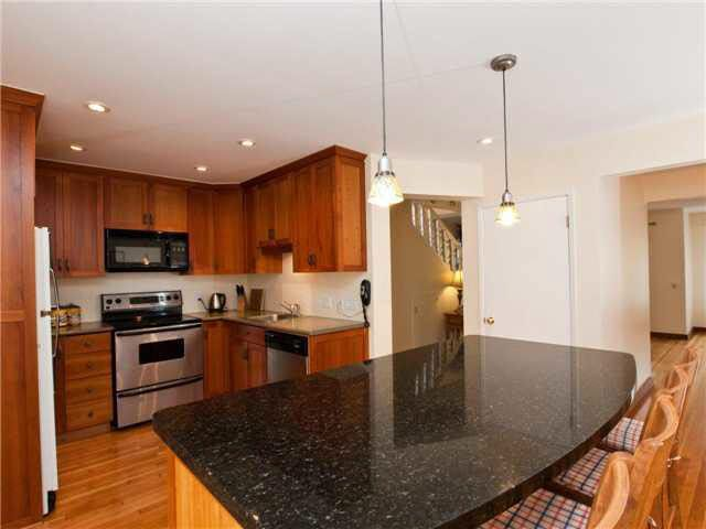 Main Photo: 1165 CALEDONIA AVENUE in : Deep Cove House for sale : MLS®# V895613
