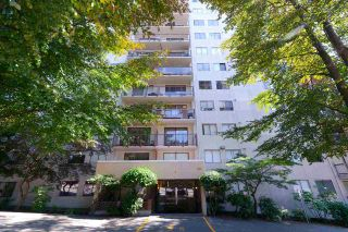 """Photo 2: 808 320 ROYAL Avenue in New Westminster: Downtown NW Condo for sale in """"PEPPERTREE"""" : MLS®# R2368548"""