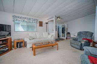 """Photo 5: 102 2303 CRANLEY Drive in Surrey: King George Corridor Manufactured Home for sale in """"SUNNYSIDE ESTATES"""" (South Surrey White Rock)  : MLS®# R2618060"""