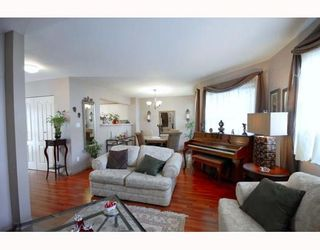 """Photo 3: A2 925 TOBRUCK Avenue in North Vancouver: Hamilton Townhouse for sale in """"KENSIGATON GARDENS"""" : MLS®# V762629"""