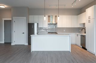 """Photo 6: A605 20838 78B Avenue in Langley: Willoughby Heights Condo for sale in """"Hudson & Singer"""" : MLS®# R2608536"""