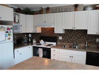 """Photo 3: # 3 12188 HARRIS RD in Pitt Meadows: Central Meadows Townhouse for sale in """"WATERFORD PLACE"""" : MLS®# V965726"""