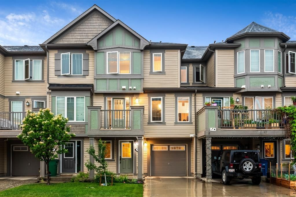 Main Photo: 11 Windstone Green SW: Airdrie Row/Townhouse for sale : MLS®# A1127775