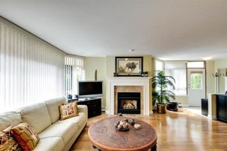 """Photo 6: 104 15111 RUSSELL Avenue: White Rock Condo for sale in """"Pacific Terrace"""" (South Surrey White Rock)  : MLS®# R2594062"""