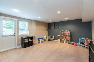Photo 19: 6057 164 Street in Surrey: Cloverdale BC House for sale (Cloverdale)  : MLS®# R2459853