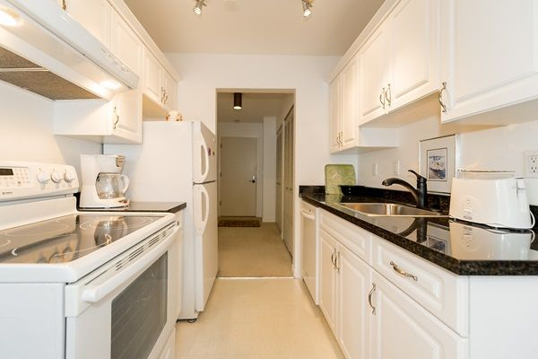 Photo 5: Photos: 303 2935 SPRUCE Street in Vancouver: Fairview VW Condo for sale (Vancouver West)  : MLS®# R2131963