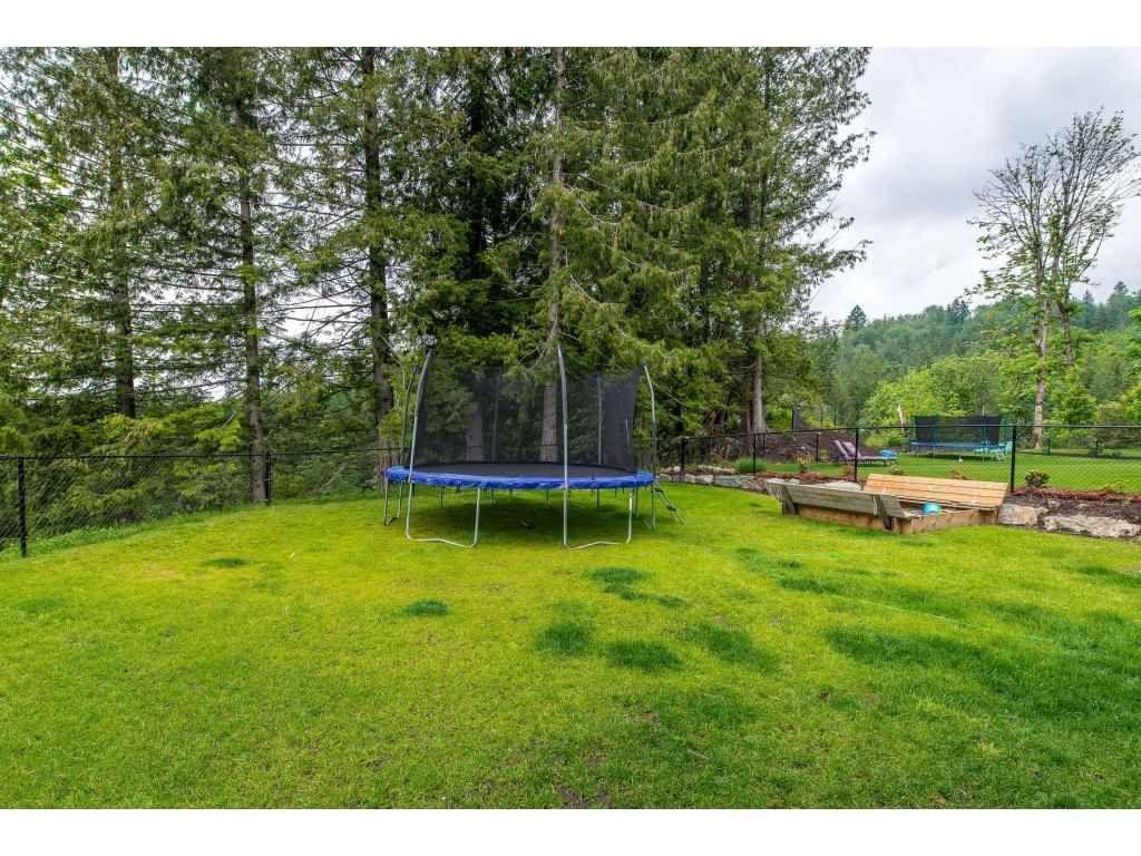 Photo 20: Photos: 50323 SIENNA Avenue in Chilliwack: Eastern Hillsides House for sale : MLS®# R2370269