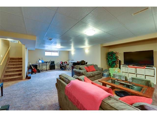 Photo 18: Photos: 21 MORNINGSIDE Bay SW: Airdrie House for sale : MLS®# C4011063