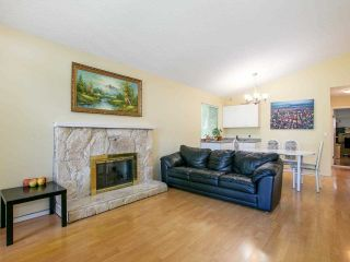Photo 3: 5322 SHERBROOKE Street in Vancouver: Knight House for sale (Vancouver East)  : MLS®# R2588172