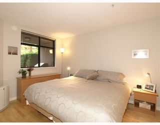 "Photo 7: 103 2181 W 10TH Avenue in Vancouver: Kitsilano Condo for sale in ""THE TENTH AVE"" (Vancouver West)  : MLS®# V793542"