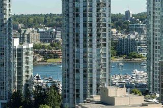 """Photo 17: 1703 1055 HOMER Street in Vancouver: Yaletown Condo for sale in """"DOMUS"""" (Vancouver West)  : MLS®# R2186785"""