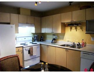 """Photo 2: 215 10186 155TH Street in Surrey: Guildford Condo for sale in """"Somerset"""" (North Surrey)  : MLS®# F2833763"""