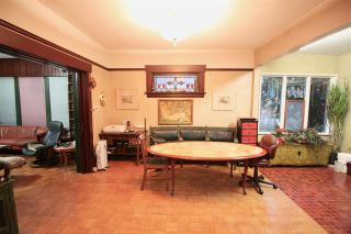 Photo 3: 1017 E 13TH Avenue in Vancouver: Mount Pleasant VE House for sale (Vancouver East)  : MLS®# R2426975