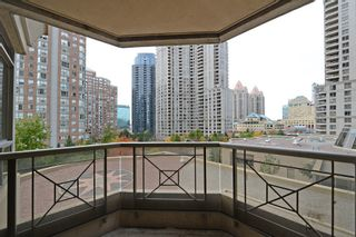 Photo 13: 16 3880 Duke Of York Boulevard in Mississauga: City Centre Condo for sale : MLS®# W2811487