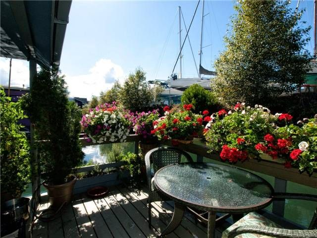 Photo 8: Photos: 1681 Columbia Street in North Vancouver: Lynnmour Condo for sale