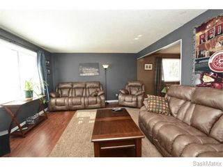 Photo 4: 4910 SHERWOOD Drive in Regina: Regent Park Single Family Dwelling for sale (Regina Area 02)  : MLS®# 565264