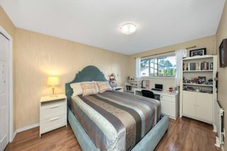 Photo 13: 16084 10 Avenue in Surrey: King George Corridor House for sale (South Surrey White Rock)  : MLS®# R2615473