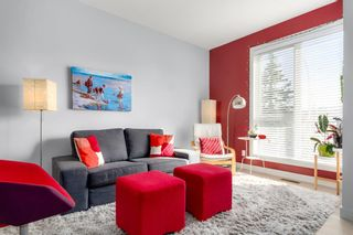 Photo 3: 7022 34 Avenue NW in Calgary: Bowness Row/Townhouse for sale : MLS®# A1087366