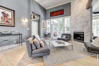 Photo 3: 335 DARLINGTON Crescent in Edmonton: Zone 20 House for sale : MLS®# E4215351