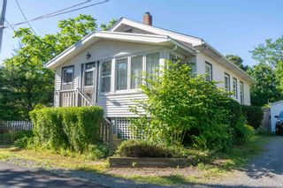 Photo 1: 171 Munroe Street in Windsor: 403-Hants County Residential for sale (Annapolis Valley)  : MLS®# 202116941