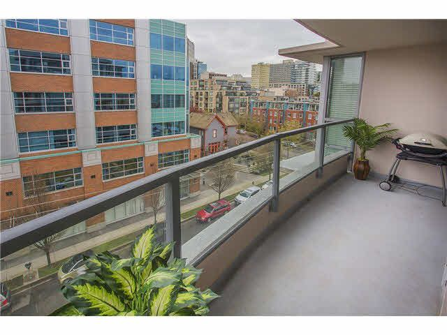 """Photo 13: Photos: 702 587 W 7TH Avenue in Vancouver: Fairview VW Condo for sale in """"AFFINITI"""" (Vancouver West)  : MLS®# V1118328"""