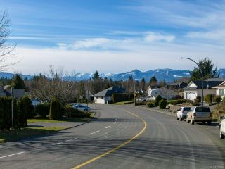 Photo 2: 2272 VALLEY VIEW DRIVE in COURTENAY: CV Courtenay East House for sale (Comox Valley)  : MLS®# 832690