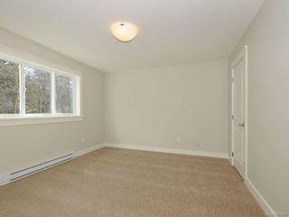 Photo 14: 3338 Hazelwood Rd in Langford: La Happy Valley House for sale : MLS®# 631000