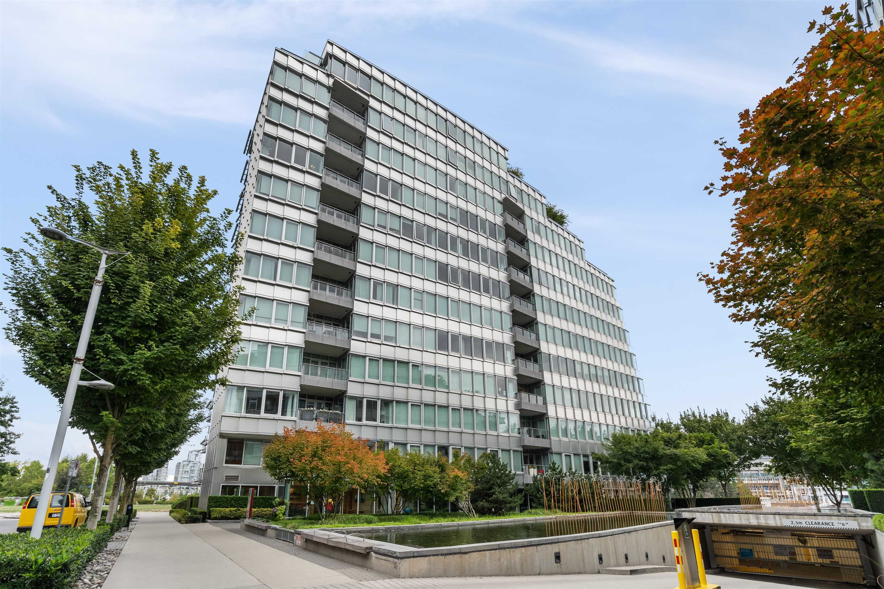 Main Photo: 202 181 ATHLETES Way in Vancouver: False Creek Condo for sale (Vancouver West)  : MLS®# R2615013