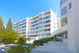 """Photo 1: 515 1442 FOSTER Street: White Rock Condo for sale in """"Whiterock Square III"""" (South Surrey White Rock)  : MLS®# R2495984"""