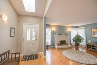 Photo 3: 18461 57A Avenue in Surrey: Cloverdale BC House for sale (Cloverdale)  : MLS®# R2154507
