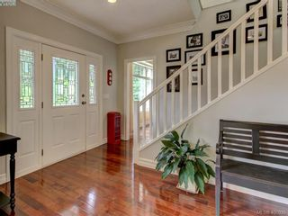 Photo 3: 8708 Pylades Pl in NORTH SAANICH: NS Dean Park House for sale (North Saanich)  : MLS®# 799966