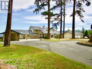 Photo 1: 2102 DONKERSLEY ROAD in Powell River: House for sale : MLS®# 15932