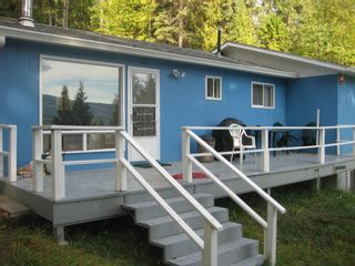 Photo 1: 2544 Vickers  Trail in Anglemont: North Shuswap House for sale (Shuswap)  : MLS®# 10036911