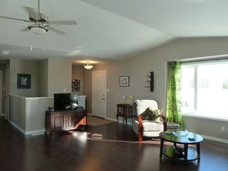Photo 4: 28 Ash Avenue in Tyndall: Single Family Detached for sale : MLS®# 1604131