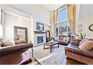 Photo 3: 166 CRESTMONT Drive SW in Calgary: Crestmont House for sale : MLS®# C4039400