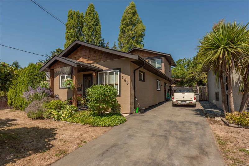 FEATURED LISTING: 568 Whiteside St