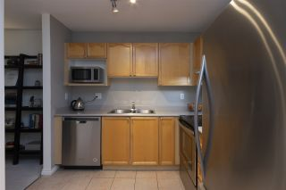 "Photo 3: 412 33478 ROBERTS Avenue in Abbotsford: Central Abbotsford Condo for sale in ""ASPEN CREEK"" : MLS®# R2343940"
