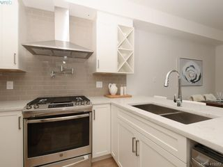 Photo 5: 13 Avanti Pl in VICTORIA: VR Hospital Row/Townhouse for sale (View Royal)  : MLS®# 829808