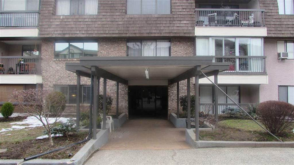 Main Photo: 32175 old yale Road in Abbotsford: Abbotsford West Multifamily for sale : MLS®# R2345895