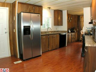Photo 2: 2229 CRYSTAL Court in Abbotsford: Poplar Manufactured Home for sale : MLS®# F1007385