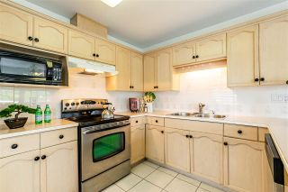 """Photo 9: 2 4740 221 Street in Langley: Murrayville Townhouse for sale in """"EAGLECREST"""" : MLS®# R2577824"""