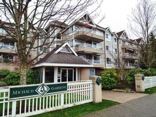 """Photo 1: 305 5556 201A Street in Langley: Langley City Condo for sale in """"MICHAUD GARDENS"""" : MLS®# F2705422"""