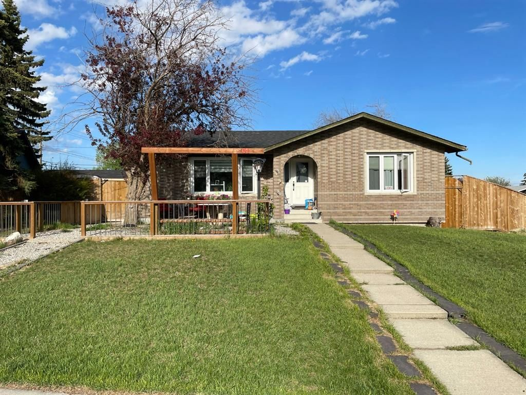 Main Photo: 51 Maryvale Place NE in Calgary: Marlborough Detached for sale : MLS®# A1116299